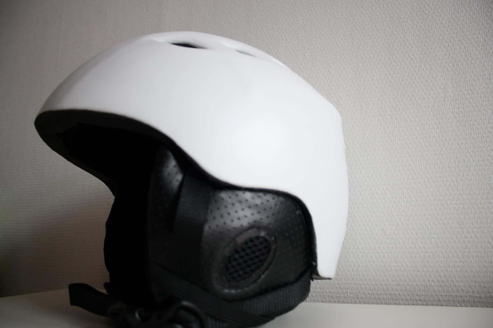Skihjelm test 2018 → Sådan finder du den bedste hjelm ✔