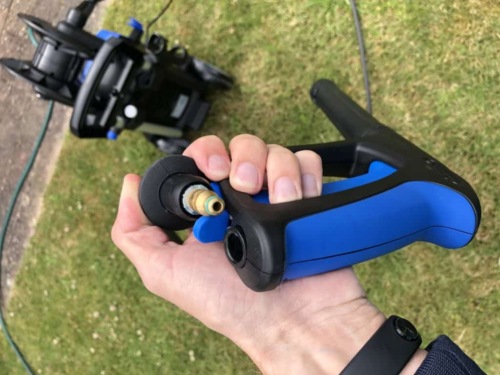 Montering af sprøjtepistol på slange Nilfisk E145